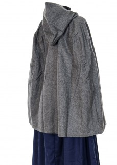 Cape in dark grey wool