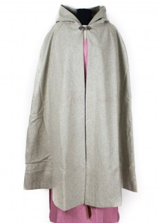 Cloak in light grey wool