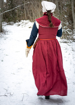 15th century medieval dress