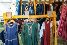 medieval childrens clothing